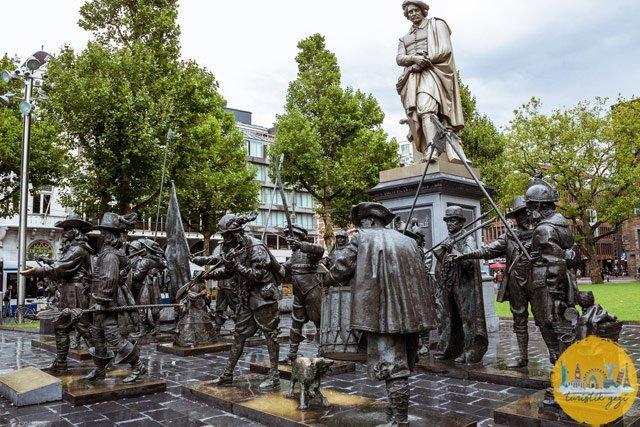 Rembrandtplein Heykeli