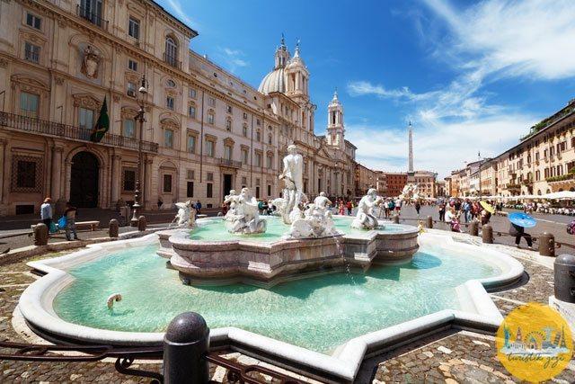 Navona Meydanı Roma